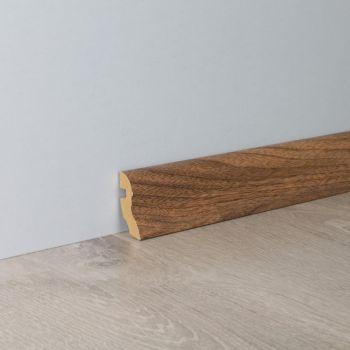 Põrandaliist Uma40/2,6 Pähkel