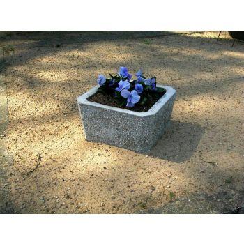 Betoonist lillevaas 33*33cm hele põhjata 4744653010196
