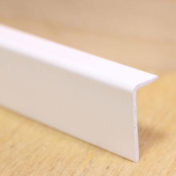 Välisnurgaliist 10x20mm 2,6m valge