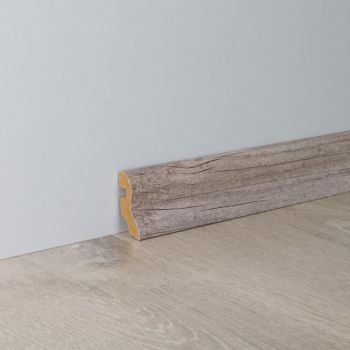 Põrandaliist Uma40/2,6 Mänd